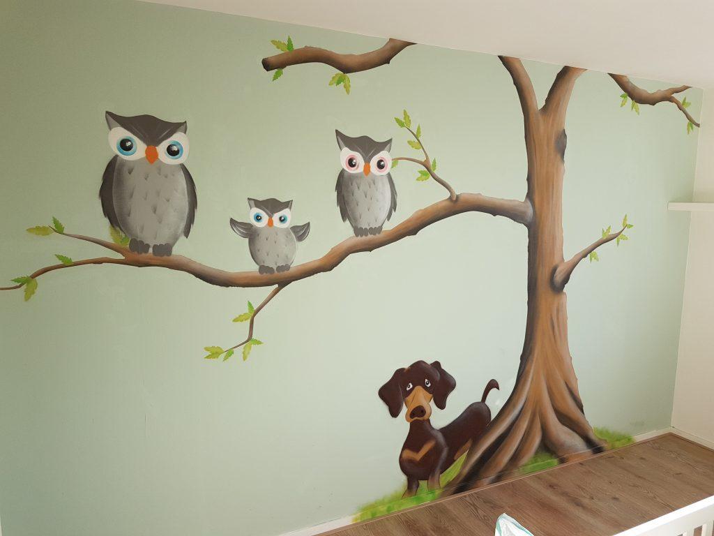 Boom met uilen
